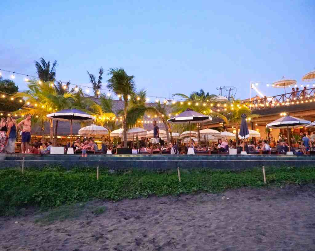Lounging at The Lawn Canggu | The Republic of Rose