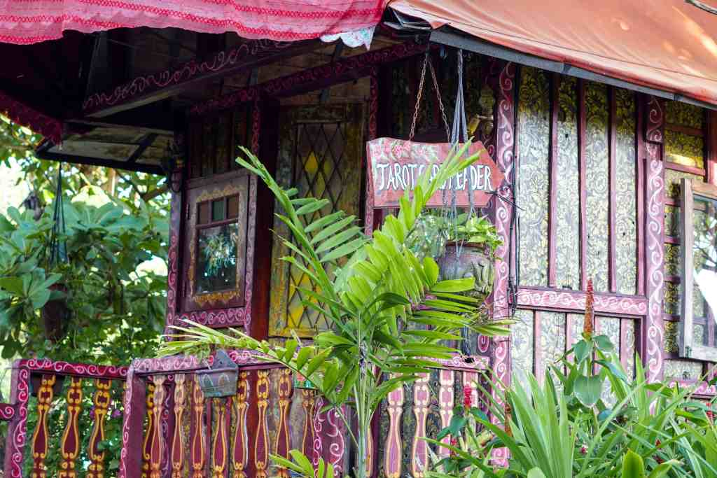 Lounging at La Laguna Canggu | The Republic of Rose