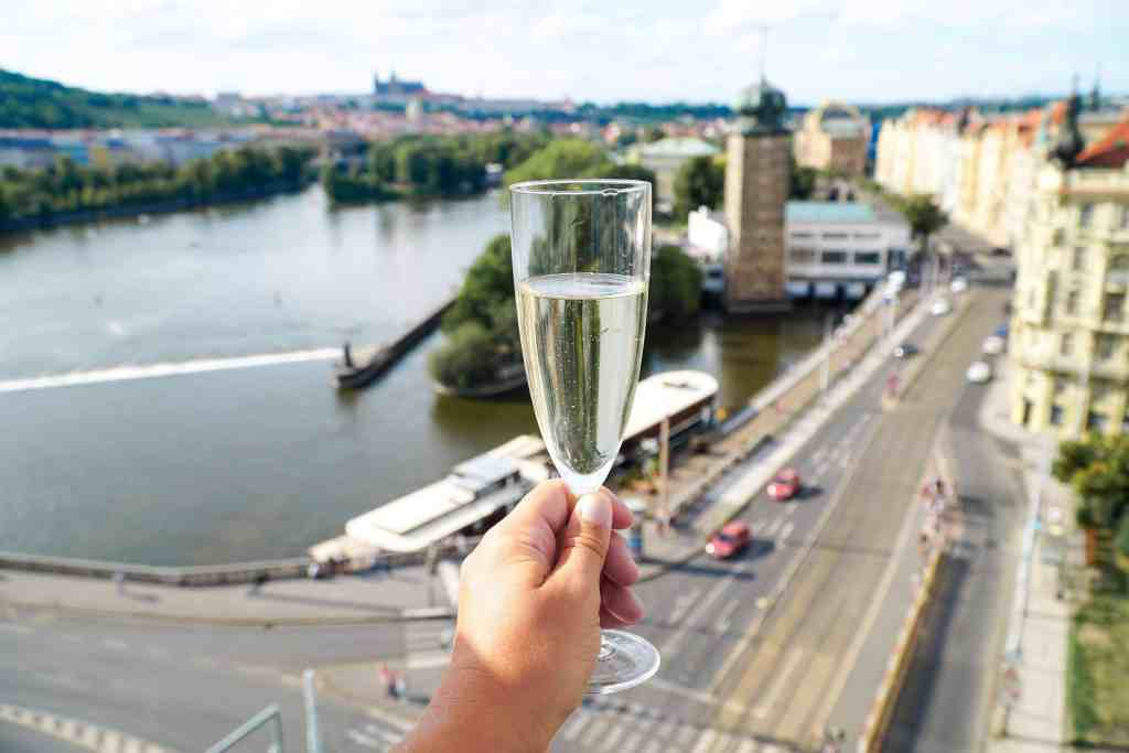 THE ULTIMATE GUIDE TO PRAGUE IN A WEEKEND