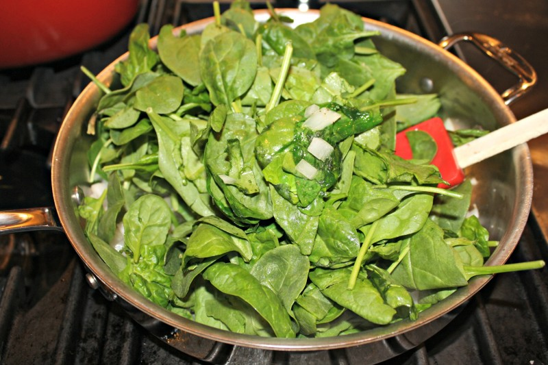 2200 spinach and onion cooking pan