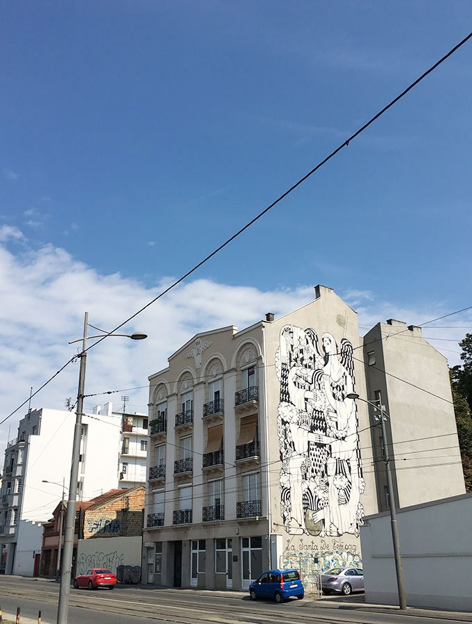 Street art on building: Things to do in Belgrade