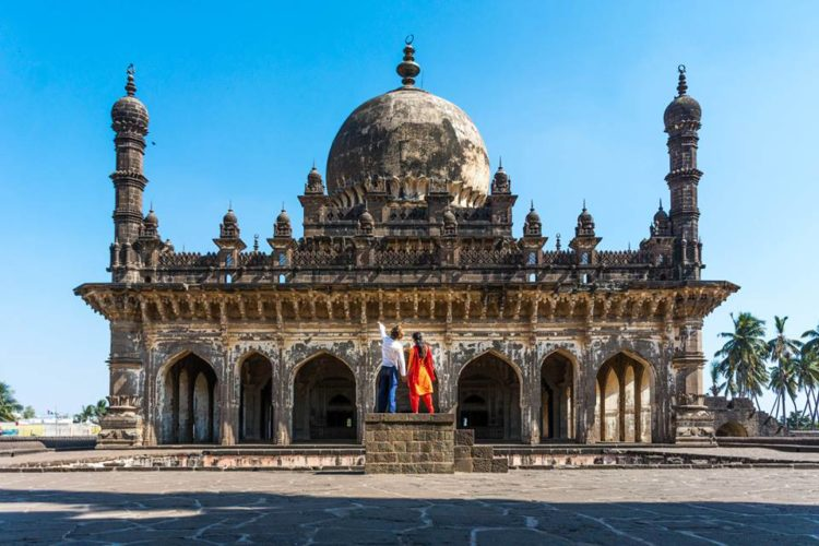 American Traveling To Bangalore