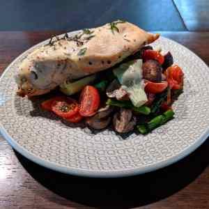 clean mediterranean chicken and vegetables