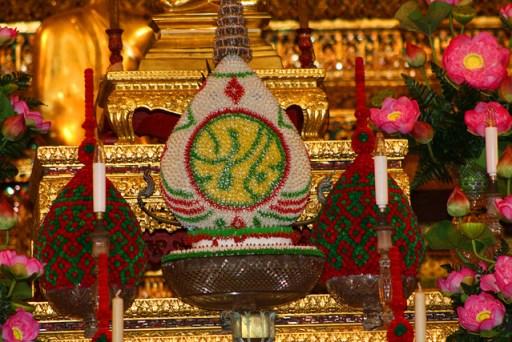 decorations in wat po, bangkok, thailand