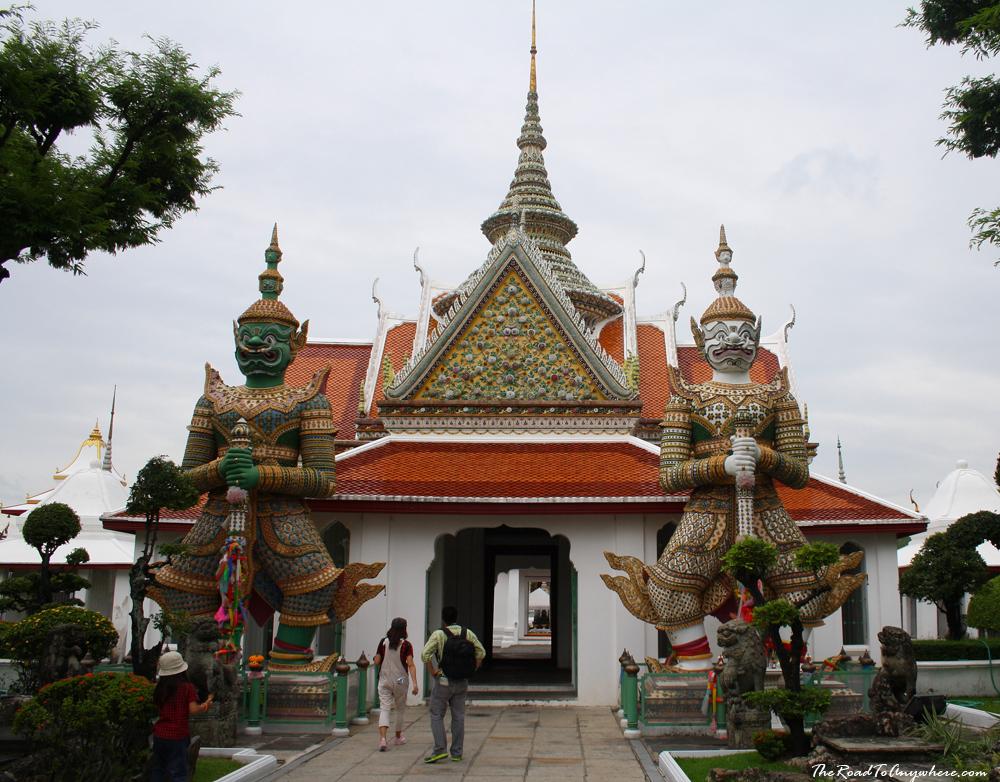 Guardian statues at Wat Arun in Bangkok, Thailand