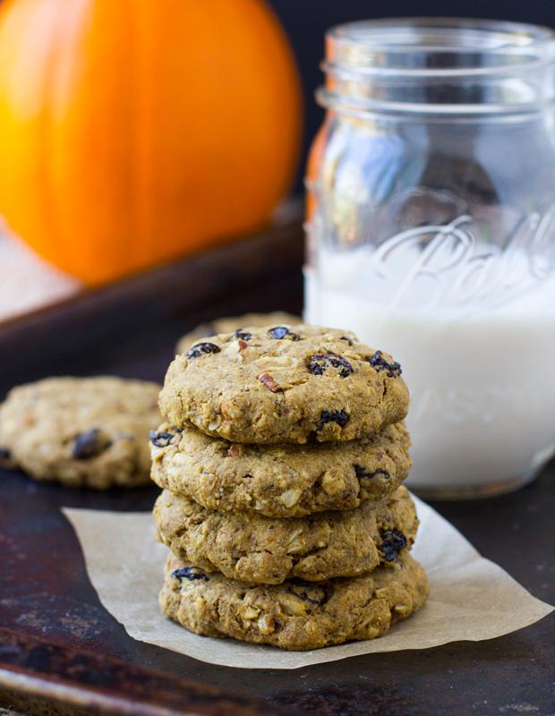 Pumpkin Breakfast Cookies + 5 Healthy Pumpkin Recipes #glutenfree #healthy