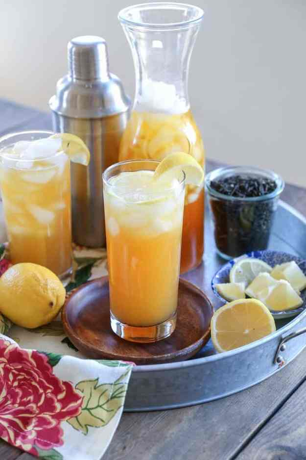 Vanilla Bean Jasmine Arnold Palmer - a classic Arnold Palmer made with vanilla infused jasmine tea - unique and refreshing summer mocktail (or cocktail!) TheRoastedRoot.com