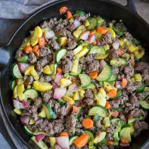 Quick and Easy Vegetable and Ground Beef Skillet - 8 ingredients and 30 minutes make this nutritious meal a reality. This recipe is paleo, low-carb, low-FODMAP, keto, whole30, and crazy tasty! | TheRoastedRoot.net