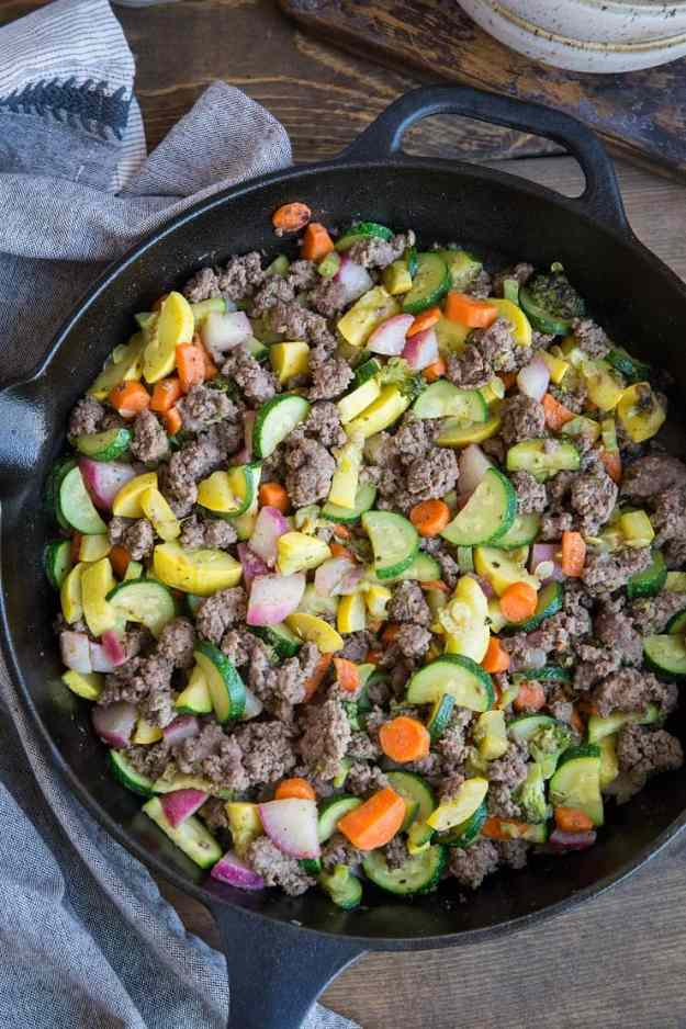Vegetable and Ground Beef Skillet - 8 ingredients make this nutritious meal a reality. This recipe is paleo, low-carb, low-FODMAP, keto, whole30, and crazy tasty! | TheRoastedRoot.net