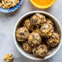 Cranberry Orange Protein Balls (Paleo)