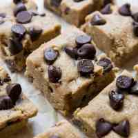 No-Bake Keto Chocolate Chip Cookie Bars