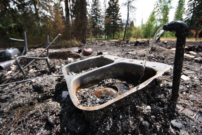 Lamming Mills townsite burnt to the ground