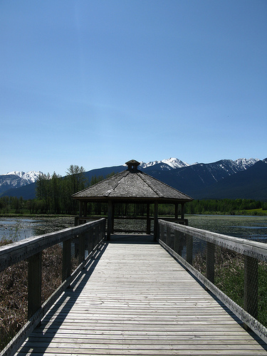 Horseshoe lake is valued as a local picnic and bird watching site by residents and tourists.