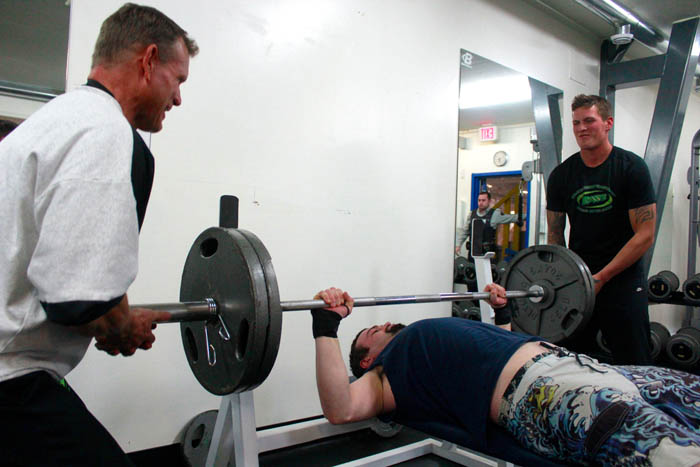 Valemount gym gets new bench press —  W/ VIDEO