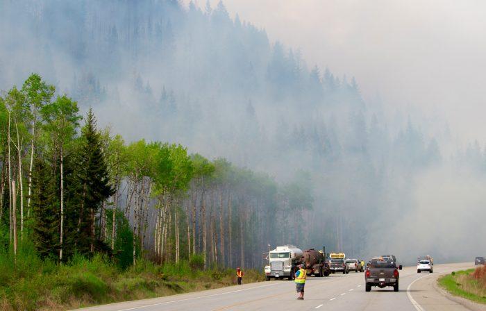 Tête Jaune fire 100 per cent contained: PG Fire Centre