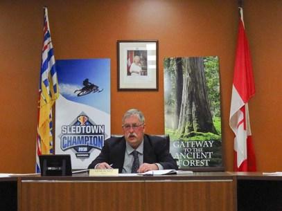 Mayor Runtz doing his inaugural mayoral address-ED