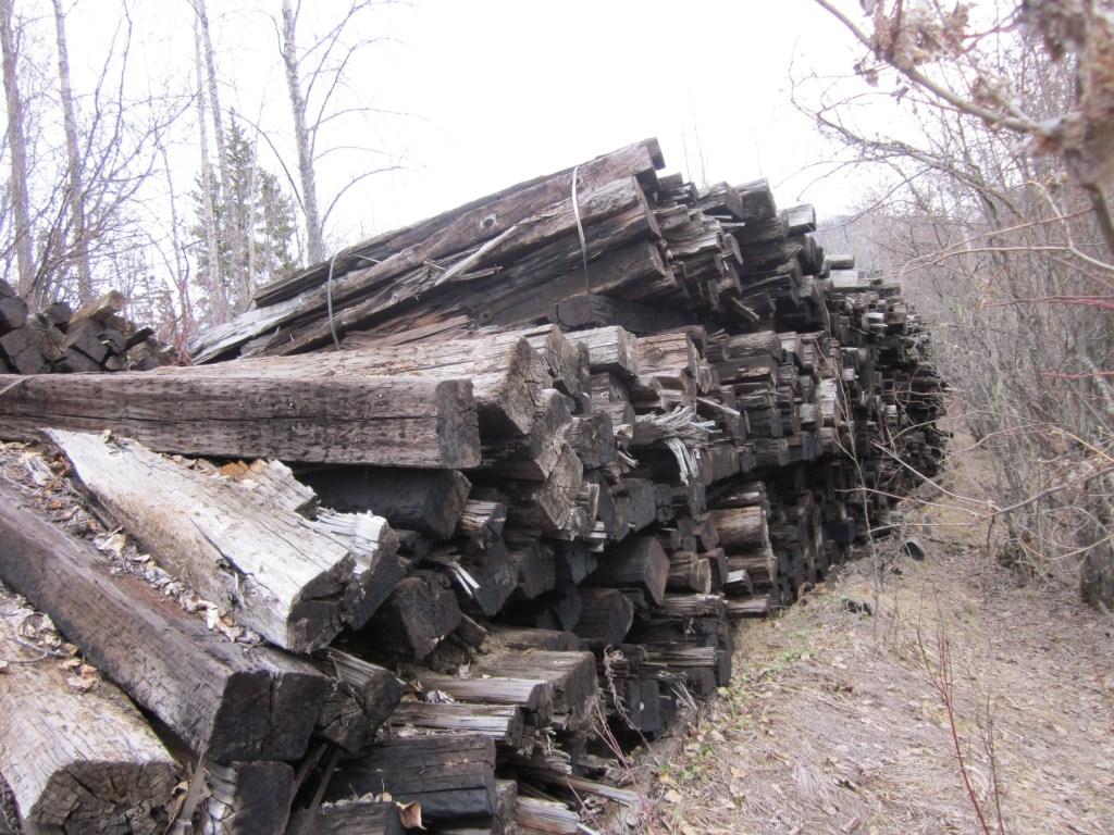 Stockpiled rail ties irk local resident – The Rocky Mountain