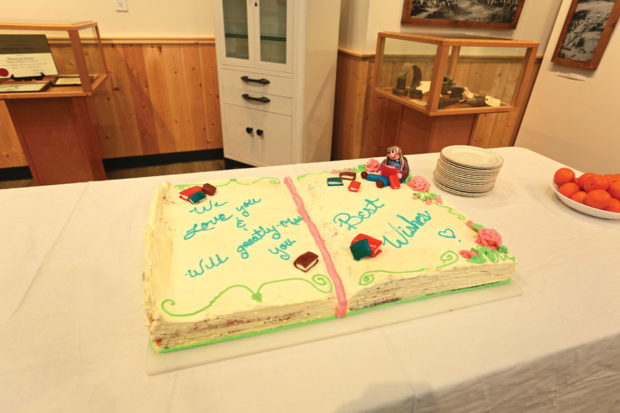 Naomi_Farewell_party_cake