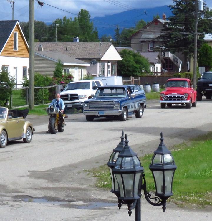 Vintage cars non-Parade