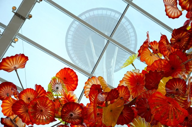 chihuly-garden-and-glass-seattle-space-needle