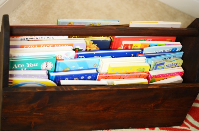 baby-nursery-room-book-chest