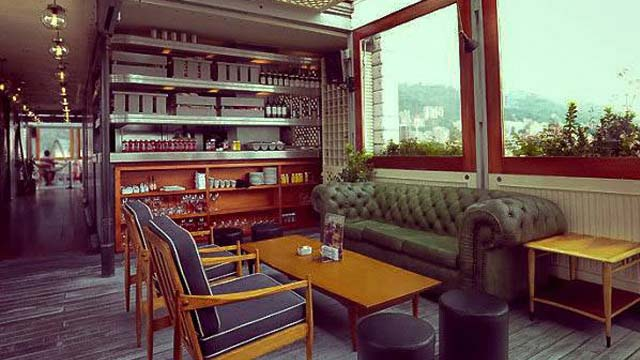 Rooftop bar Apache at Click Clack Hotel in Bogota