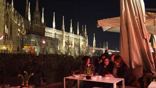 cathedral chairs ikea kitchen table and la rinacente - rooftop bar in milan | therooftopguide.com