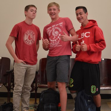 Sophomores flash their red for EMP day