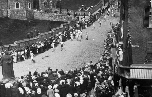 """Résultat de recherche d'images pour """"marathon de londres 1907 chateau de windsor"""""""