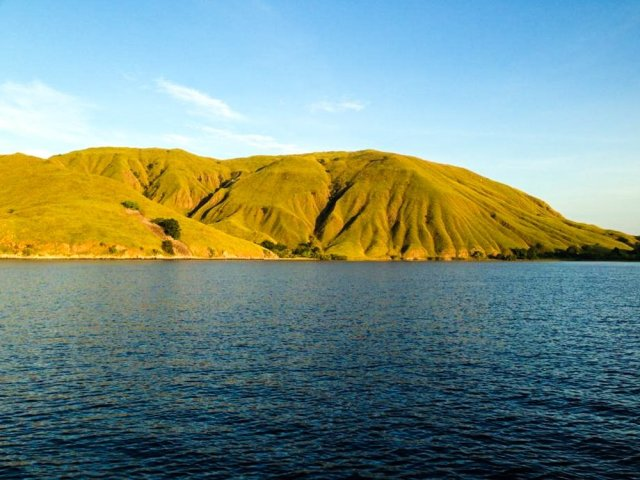A typical landscape of the Nusa Tenggara Province, including the Komodo National Park.