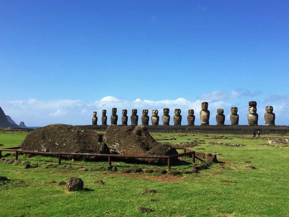 Ultimate round the world bucket list - Fallen Moai Ahu Tongariki