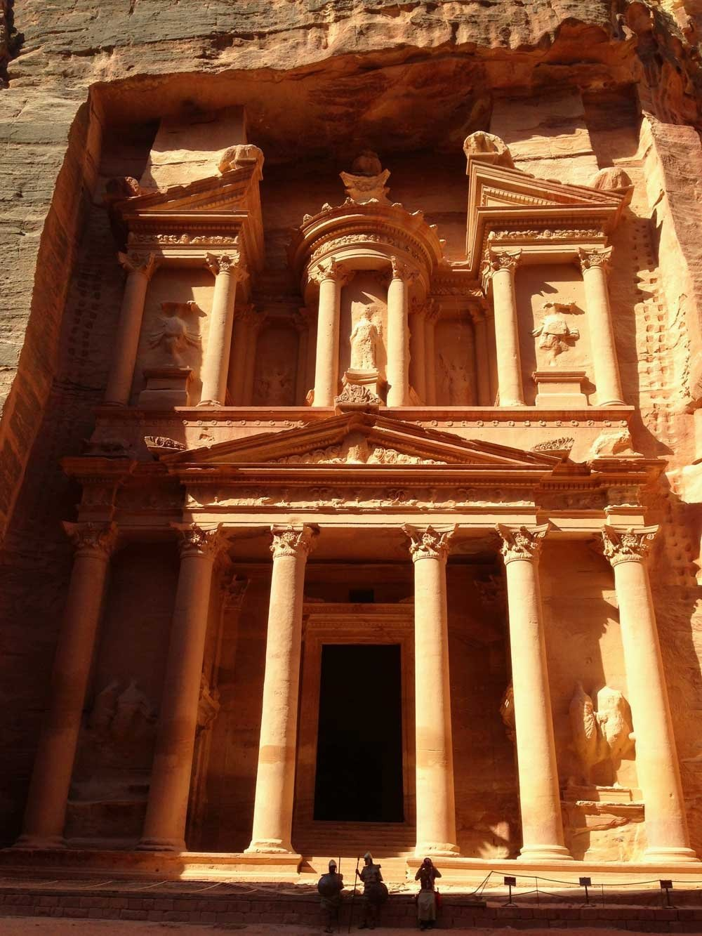 Tips for exploring Petra: The Treasury