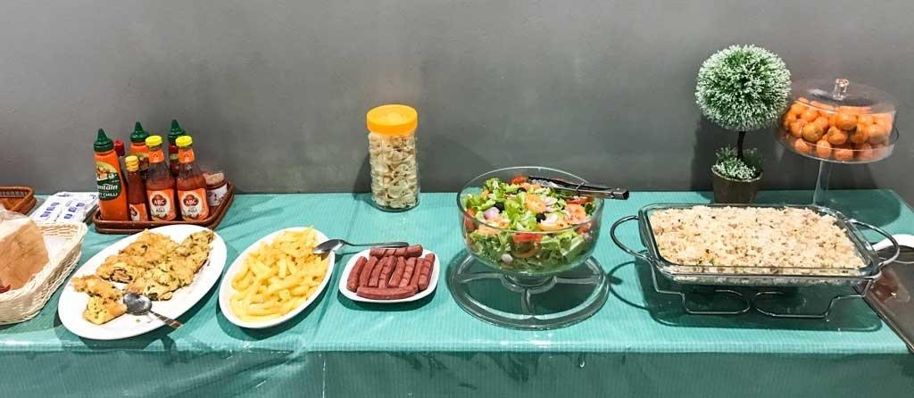 Dili hotel - breakfast food