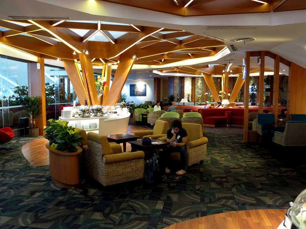 The main interior space of the Premier Lounge bali