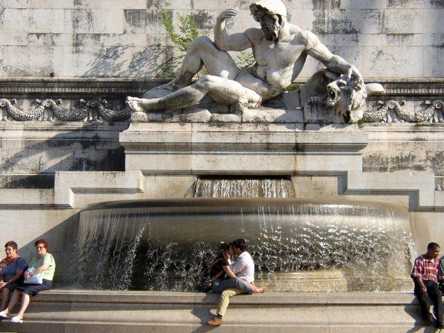 Best Kept Secrets of Rome - kiss