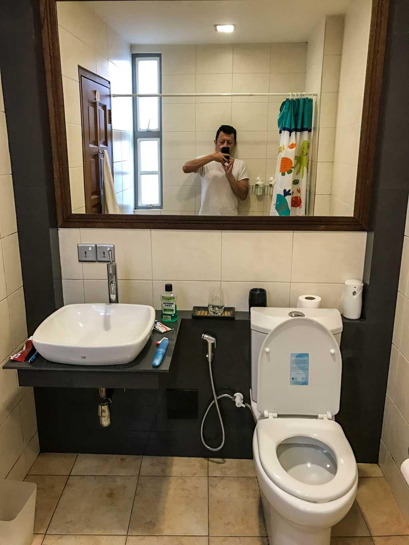 LVIS Boutique Hotel Bathroom