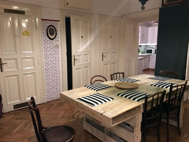 baroque hostel budapest dining room