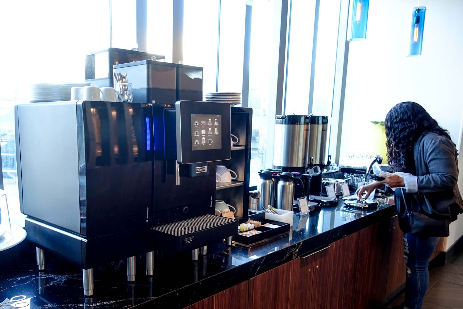 The coffee and tea area at Centurion Lounge PHL