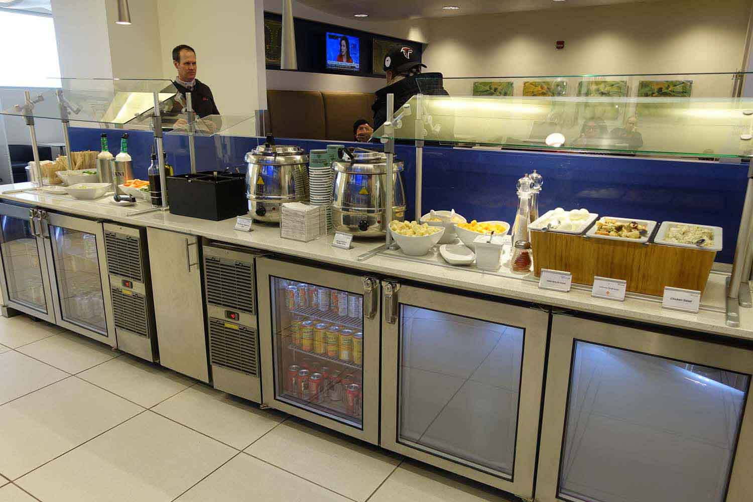 Delta Sky Club at Philadelphia Airport - food and drink bar