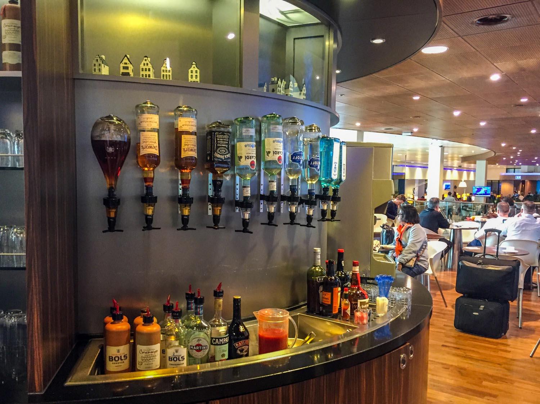 The self-serve bar at KLM Crown Lounge 52