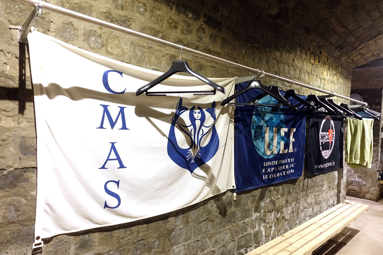 molnar janos budapest cave diving banners