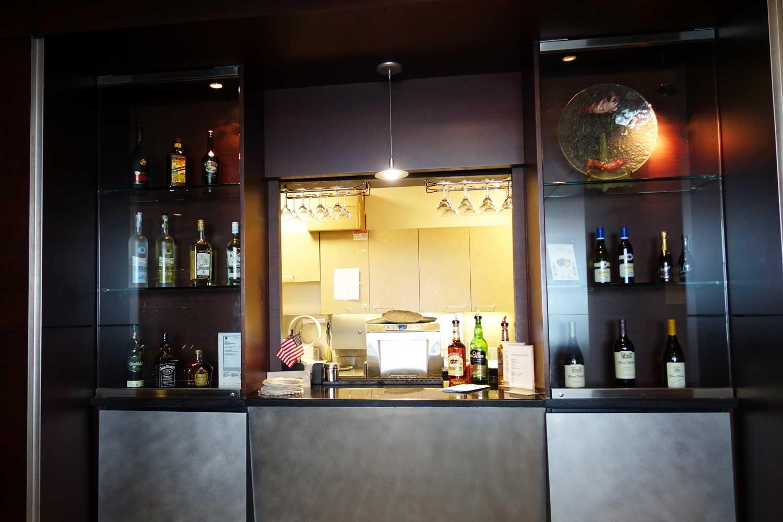 Alaska Airlines Lounge Seattle bar