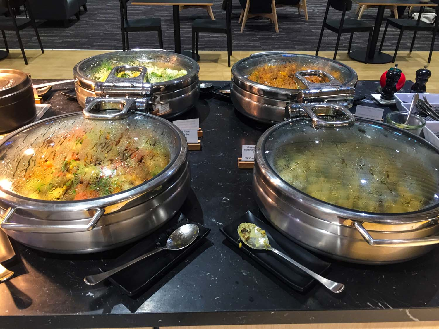 Strata Lounge auckland airport - food