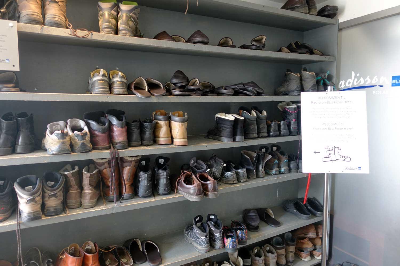 Svalbard Hotel - shoe rack