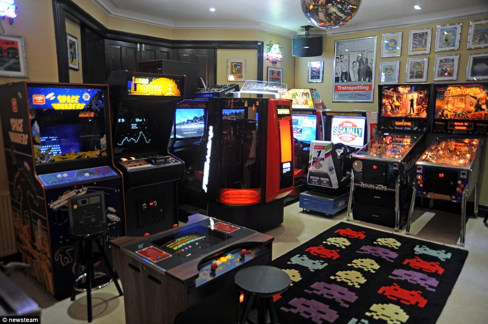 Gaming Pictures House Small Room Rooms