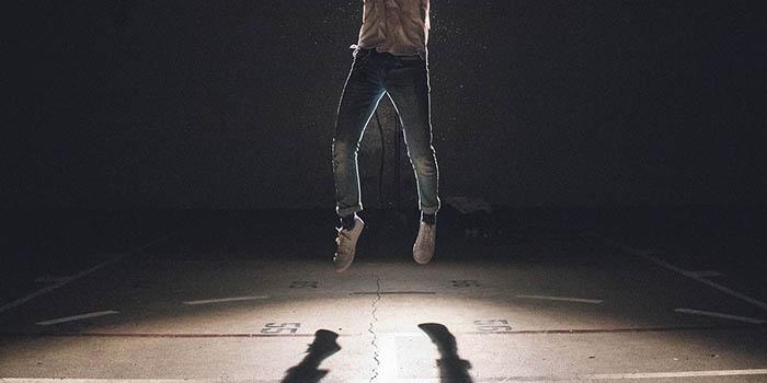 jump-1209941_1280