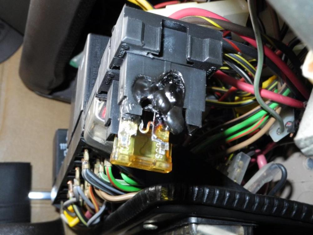 medium resolution of thesamba com vanagon view topic 84 westy melted ac fuse melted fuse box
