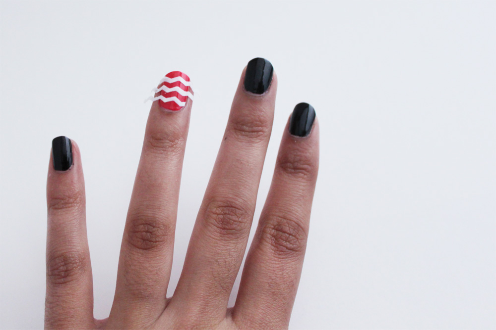 nails-with-tape-strips