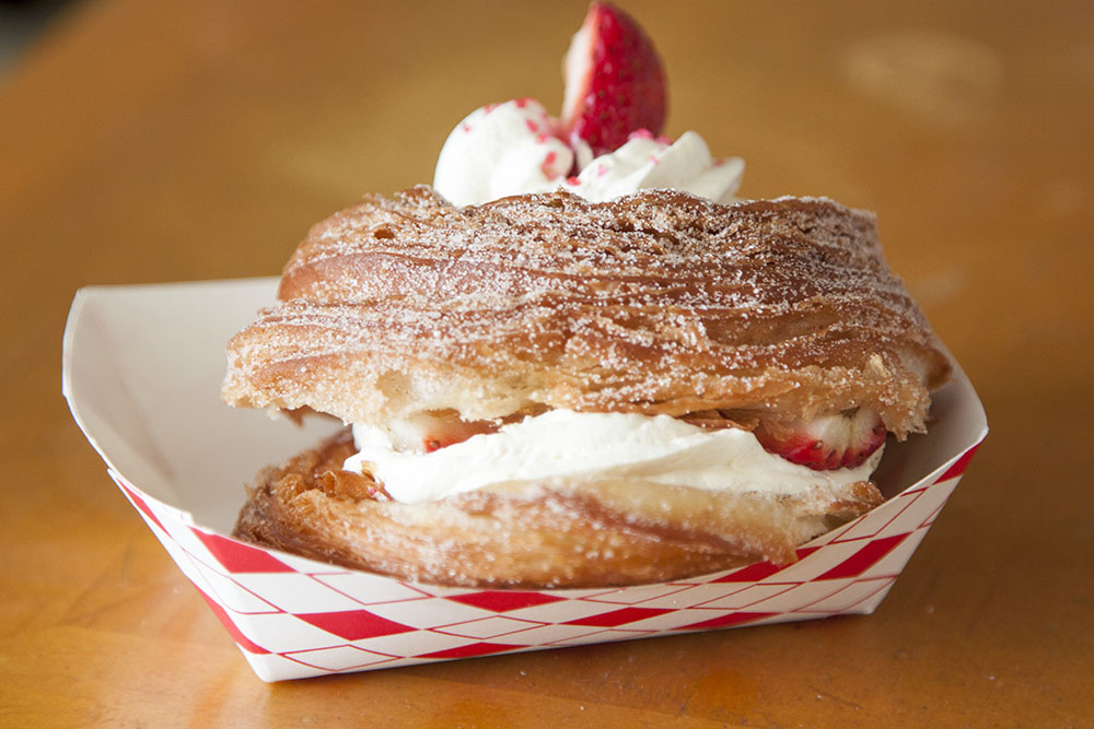 """Valentine's Day Cronut """"O-Nut"""" from DK's Donuts"""