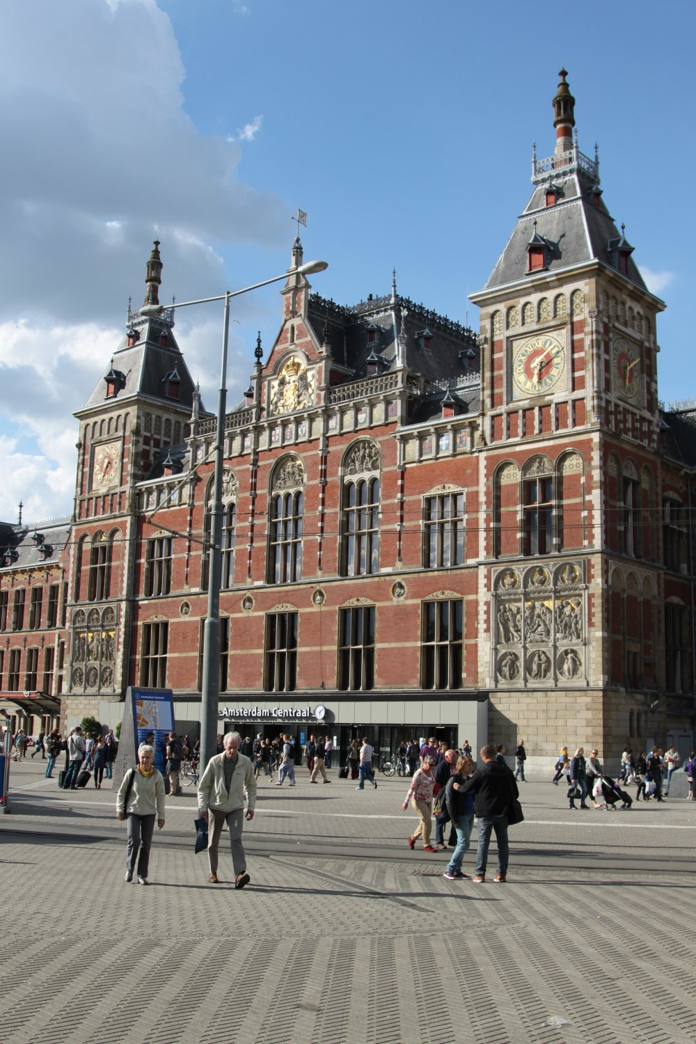 Amsterdam Centraal/Central Station